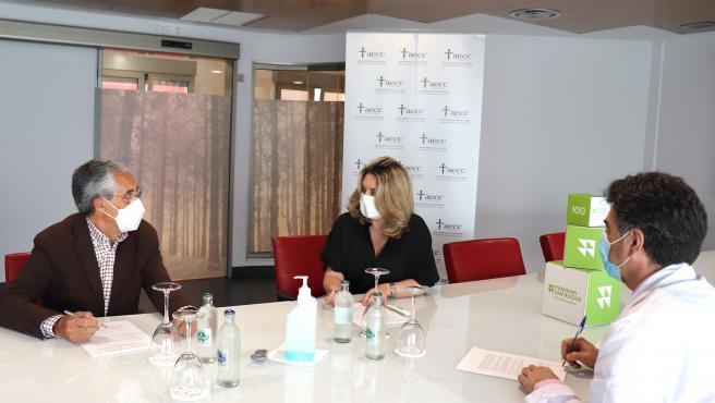 Hospitales San Roque y AECC en Las Palmas suscriben un acuerdo para la atención psicológica a pacientes oncológicos