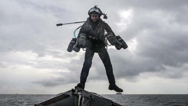 El modelo fue probado por el fundador de Gravity Industries y por 42 miembros de la Armada de Reino Unido.