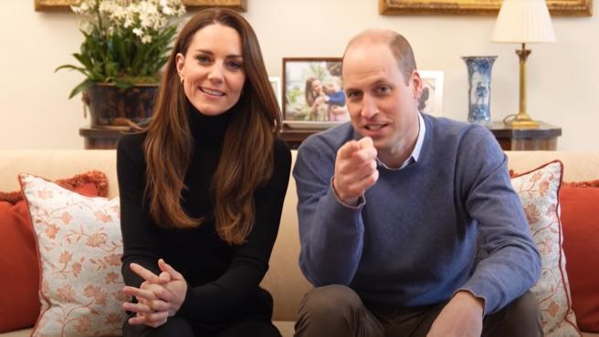 Los duques de Cambridge en su estreno en YouTube.
