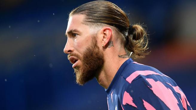 Ramos, calentando antes del partido contra el Chelsea.