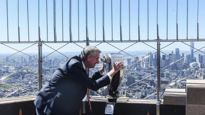 Bill de Blasio, alcalde de Nueva York, en un mirador de la ciudad.