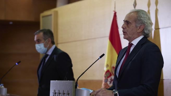 El consejero de Justicia, Interior y Víctimas en funciones de la Comunidad de Madrid, Enrique López, y el consejero de Sanidad en funciones, Enrique Ruiz Escudero.