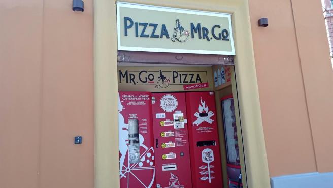La máquina expendedora ubicada en Roma que hace pizzas en tres minutos.