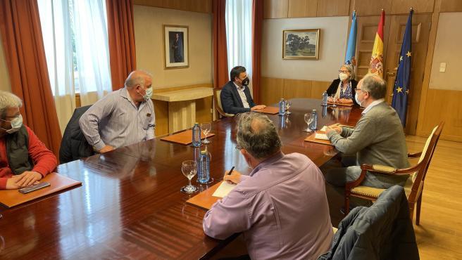 La subdelegada del Gobierno en A Coruña se compromete a pedir a Transición Ecológica que convoque la Mesa de As Pontes