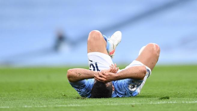 Agüero se lamenta durante el partido contra el Chelsea.