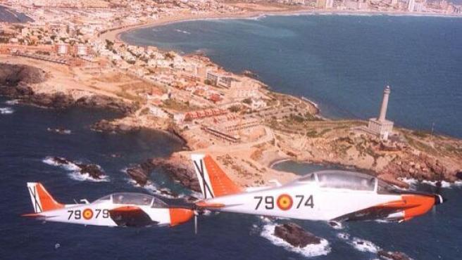 Dos avionetas del Ejército del Aire en el Cabo de Palos.