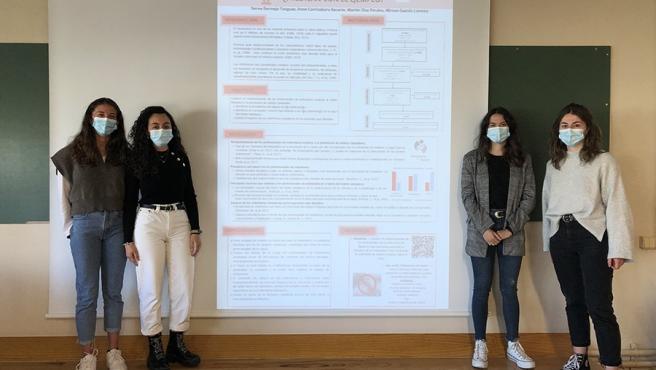Un centenar de estudiantes del Enfermería de la UPNA presentan sus trabajos en formato póster simulando un congreso