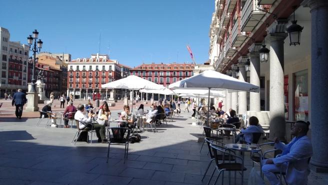 Una de las terrazas de la Plaza Mayor de Valladolid.
