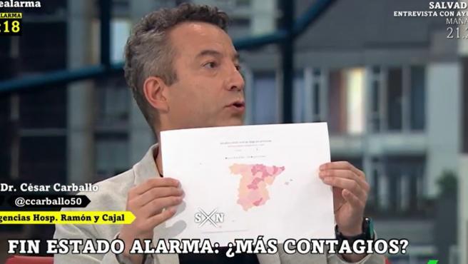 El médico urgenciólogo César Carballo muestra un mapa de España con la incidencia por comunidades, coincidiendo con el fin del estado de alarma.