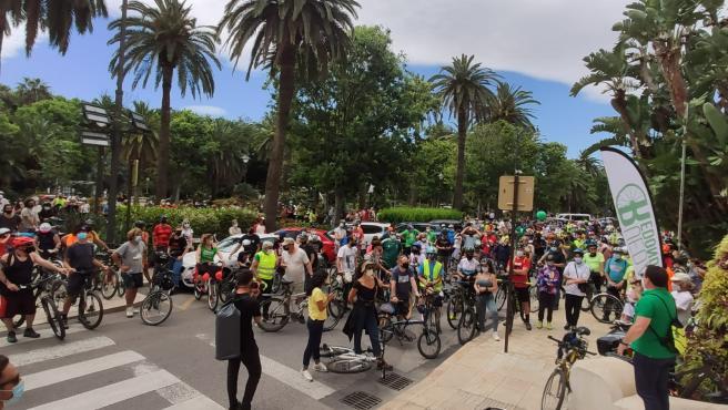 Miles de ciclistas vuelven a pedir una movilidad sostenible segura y exigen carriles bici segregados