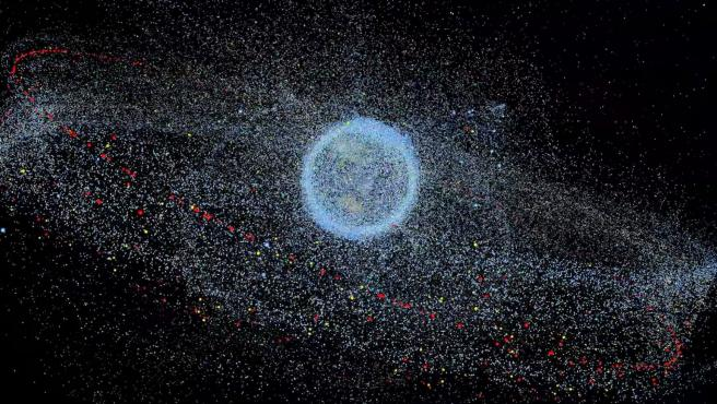 Distribución de desechos espaciales en órbita alrededor de la Tierra.
