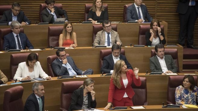 Archivo - Arxiu- La diputada del Partit Popular en Les Corts Eva Ortiz,durant la seua intervenció des del seu escó en un debat