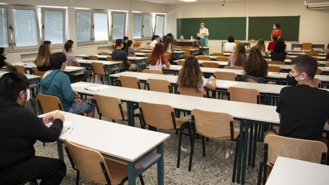FAPA solicita la exención de tasas del título de Bachillerato y matrícula de la EBAU para familias vulnerables