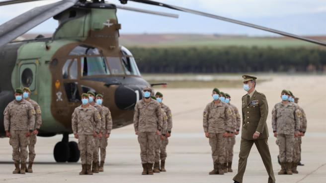 El rey Felipe VI recibe a los militares de Afganistán.