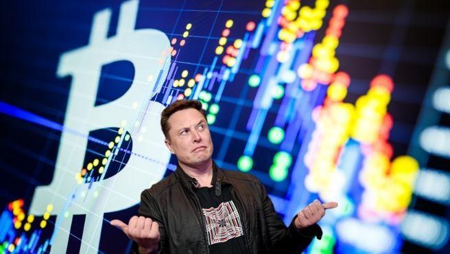 El Bitcoin alcanzó su máximo histórico en abril de 2021, pero ahora ha sufrido una fuerte caída.