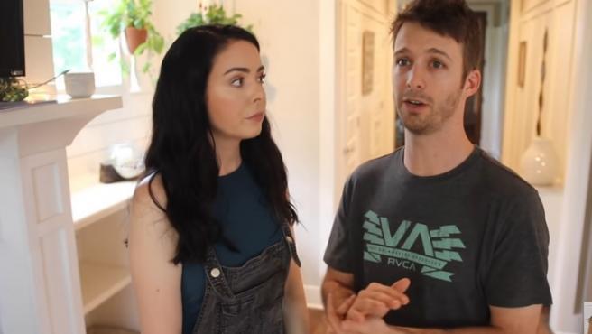Nikki y Dan Phillippi dando su explicación.