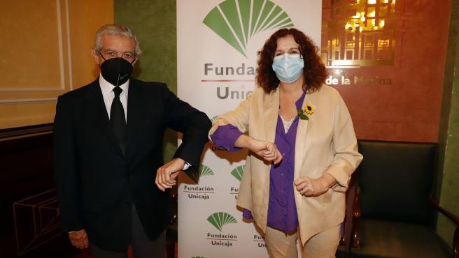 Unicaja.- Fundación Unicaja renueva su apoyo al Programa de Atención Domiciliaria de la Fundación Cudeca
