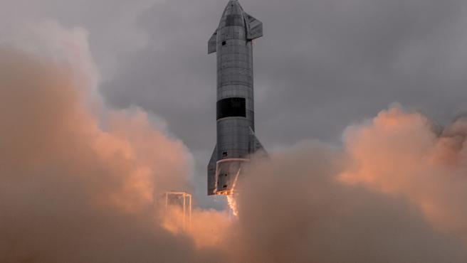 SpaceX ya ha lanzado 5 prototipos de Starship desde diciembre en su plataforma de lanzamiento en Texas.