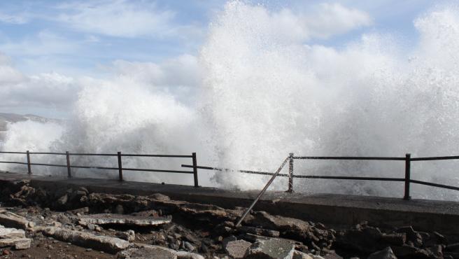 Canarias estará desde este viernes en riesgo amarillo por viento y olas