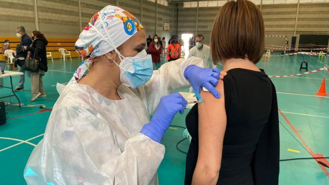 Coronavirus.-Junta y Ayuntamiento de La Línea instalarán un punto de vacunación masiva en el Palacio de Congresos