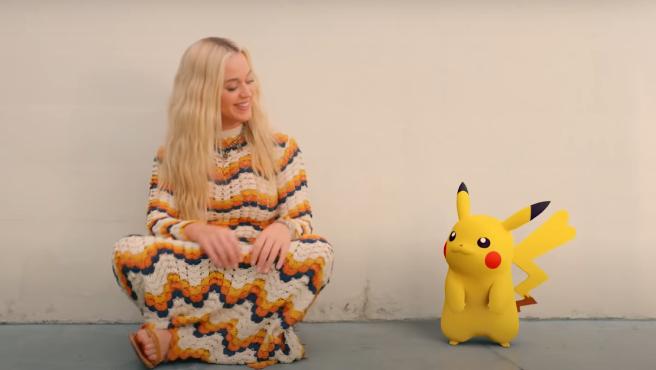 Katy Perry y Pikachu en 'Electric'.