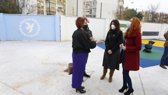 Ayuntamiento licita obras en el patio y la adaptación de la portería del CEIP Pío XII del distrito Macarena