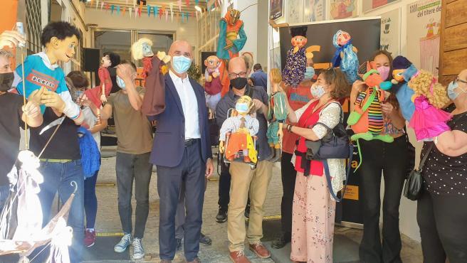 'Cris, pequeña valiente' de la compañía El Espejo Negro inaugura la nueva edición de la Feria del Títere