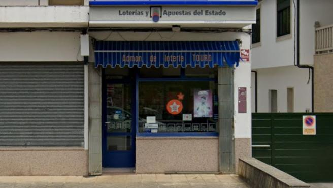 Imagen de una administración de loterías en Touro, A Coruña.