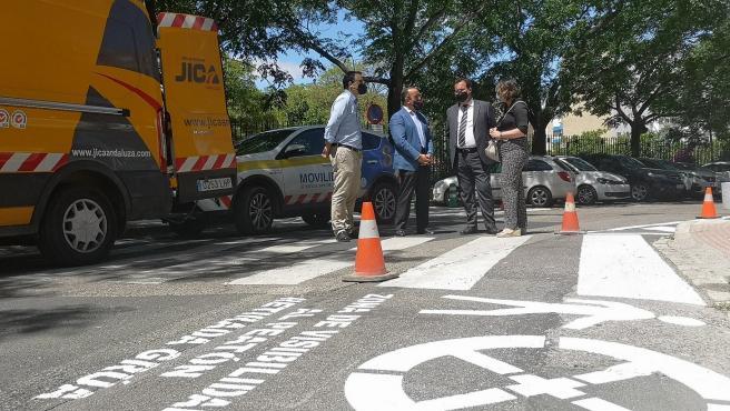 Ayuntamiento avanza en mejorar la señalización y seguridad vial en Nervión y zonas próximas a Reina Mercedes