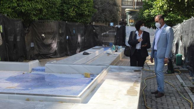 Ayuntamiento repara la Fuente de la Plaza Flor del Olivo