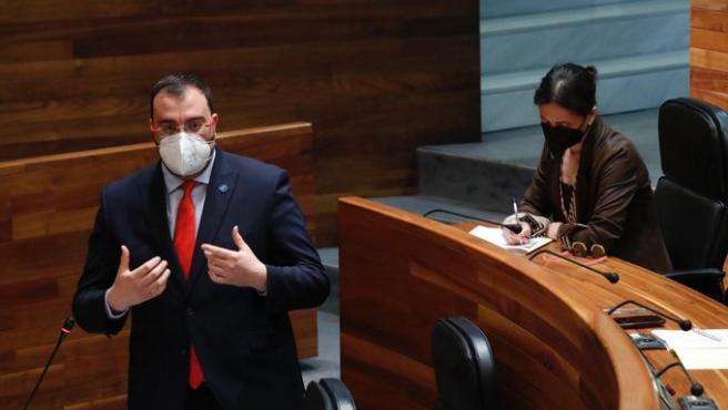 Barbón responde este miércoles a preguntas de la oposición sobre peajes, oficialidad del asturiano o cultura