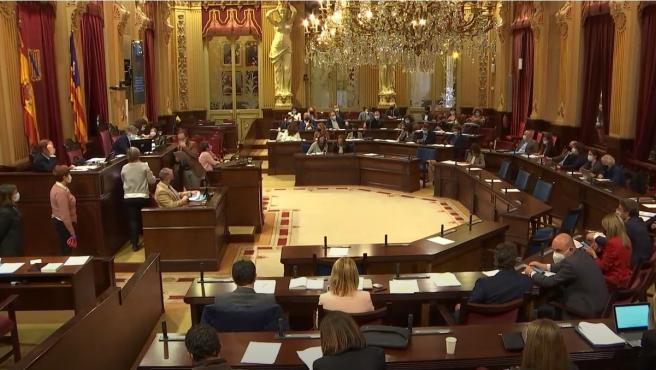 Desescalada, menores tutelados, pensiones y ocupación pública, a debate el próximo martes en el Parlament