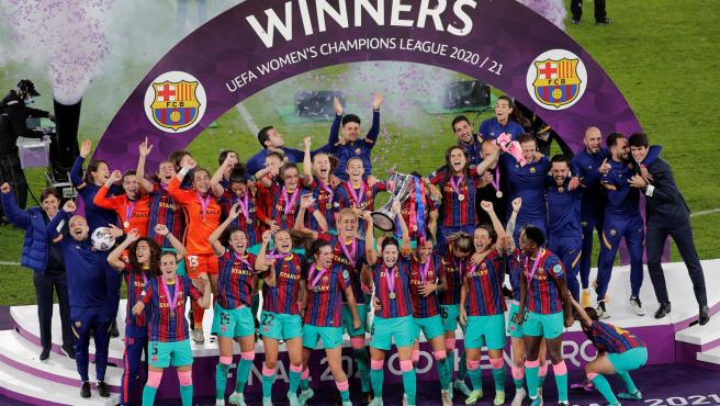 Barcelona golea a Chelsea y gana la Champions League Femenina por primera vez en su historia