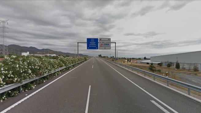 Sucesos.- Fallece un hombre tras salirse de la vía en la A-7 a su paso por La Vall d'Uixò