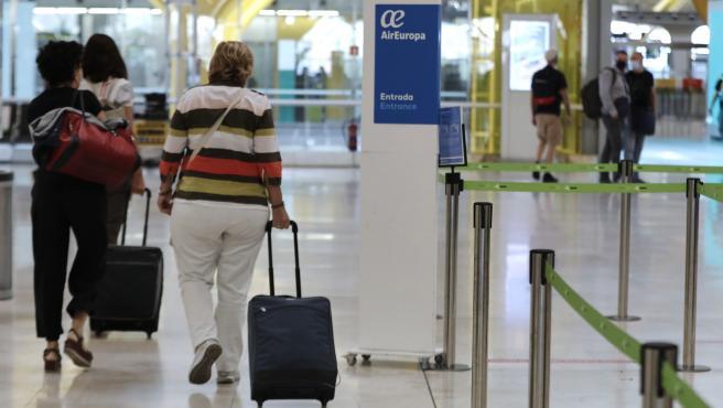Tribunales.- Piden diez años de cárcel a 3 acusados de gestionar viajes a Dubai para traer metanfetamina