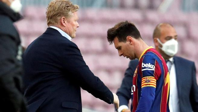 FC Barcelona will say goodbye to the 2020/21 season with a new Copa del Rey in their showcases, but without the jackpots.  Neither the Champions nor the League will be theirs after Celta endorsed them with a final corrective that hinted at the negligence of the Blaugrana club to play the last bullet.  When Messi finished the game, he headed down towards the locker room, and on the way he ran into Ronald Koeman, who was greeting all his players.  The captain did not even look up: he passed the coach as trains pass by cows and did not flinch.