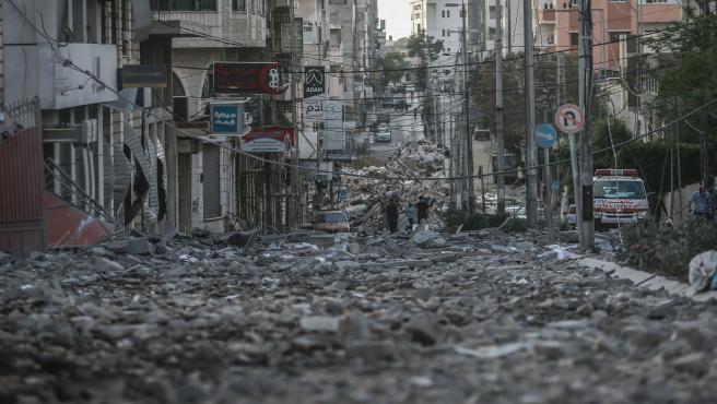 Escombros de edificios tras los bombardeos israelíes en la Franja de Gaza.