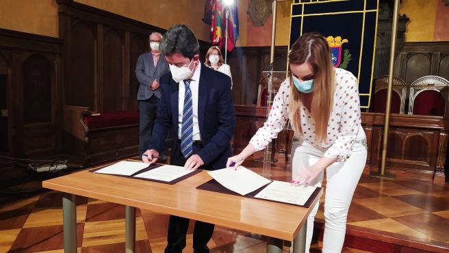 Gobierno de Aragón y Ayuntamiento de Huesca quieren que la ciudad sea referente nacional en materia de montaña y nieve