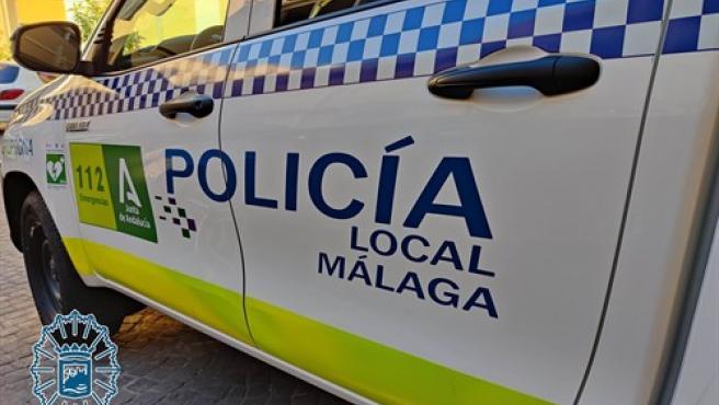 Imagen de archivo de un vehículo de la policía local de Málaga.