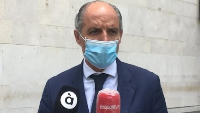 """Puig dice que Camps """"se ha retratado"""" en su vida política y cree que """"hay que aprender a ser expresidente"""""""