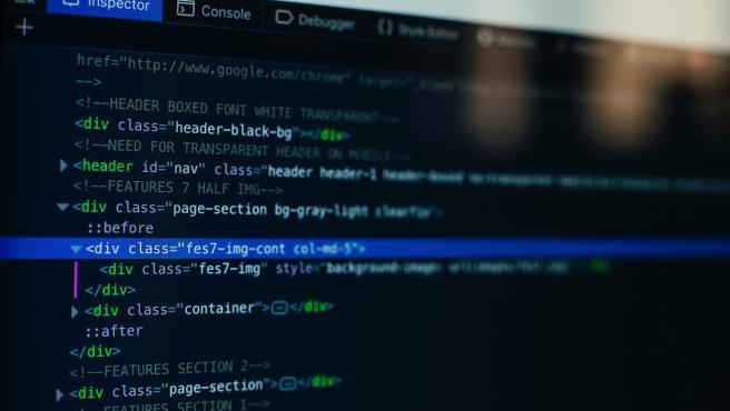 La máxima de las plataformas Low Code/No Code es diseñar aplicaciones con 'poco código o sin código'.