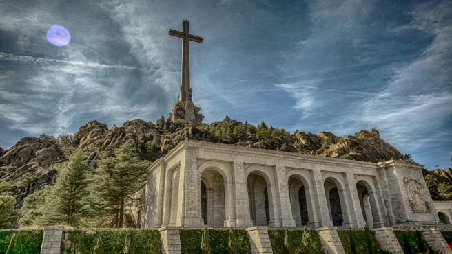 La Biblioteca Nacional de España recupera más de 400 libros depositados en el Valle de los Caídos en 1961