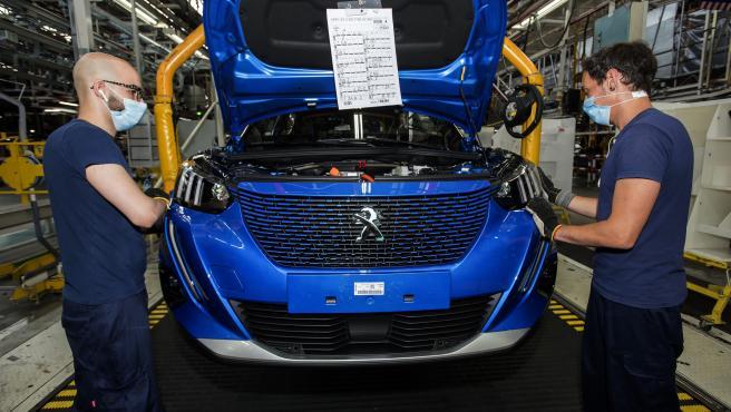"""La planta de Stellantis Vigo (antes PSA) suspende su producción """"hasta nuevo aviso"""" por la 'crisis de los microchips'"""