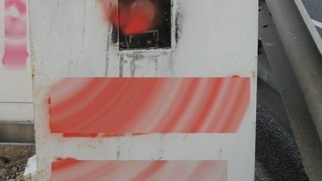 Investigan a un menor por pintar con espray e inutilizar un radar de la DGT en Burgos