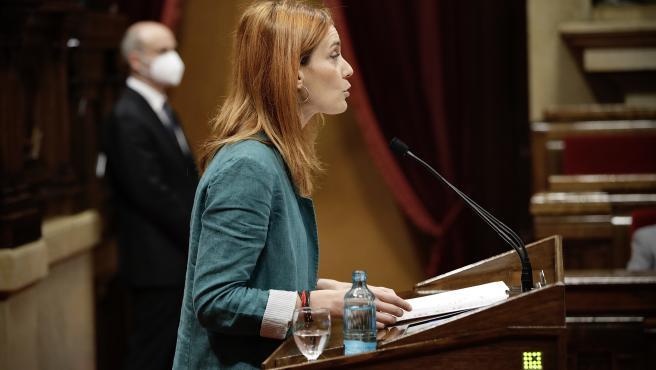 La líder de los comuns, Jéssica Albiach, durante su intervención en el pleno de investidura en el Parlament.