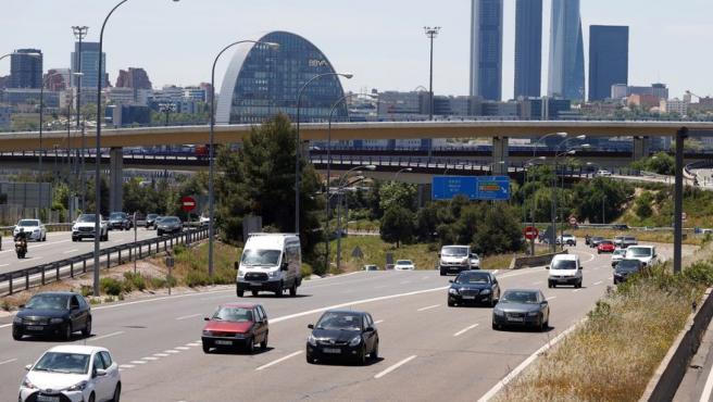 Tráfico fluido en la carretera de Burgos a la altura de la localidad madrileña de Alcobendas.