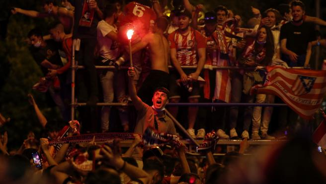 Atlético fans celebrate La Liga