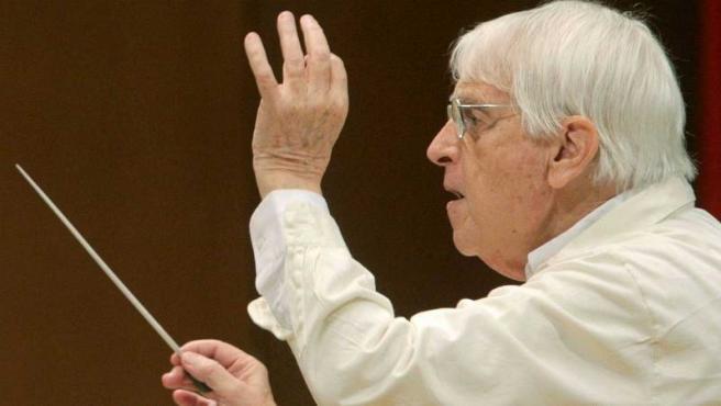 El compositor Cristobal Halffter, durante un ensayo en el Auditorio de Galicia, en 2010.