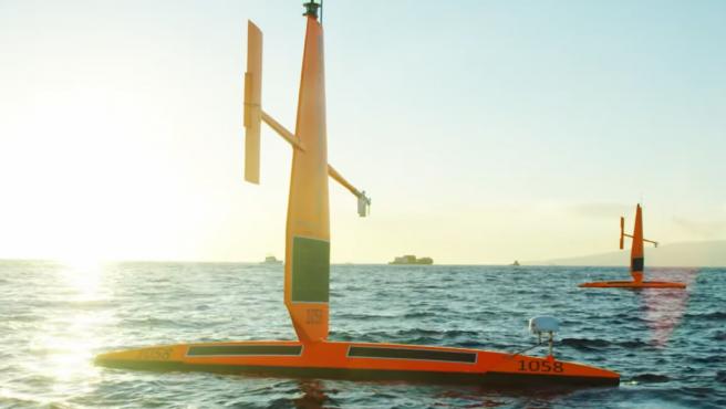 Los saildrones son similares a los kayak y cuentan con unos pontones de 7 metros de largo.