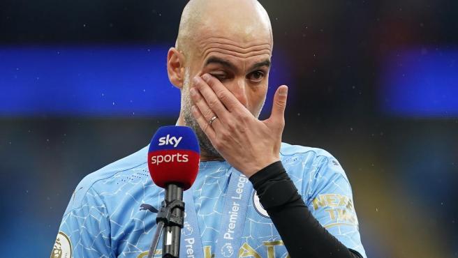 Guardiola, emocionado tras la conquista de la Premier.